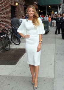 How to style white dress like Blake Lively 1